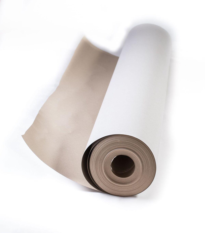 Muovipinnoitettu kierrätyskuitupohjainen suojakartonki suojaamiseen.